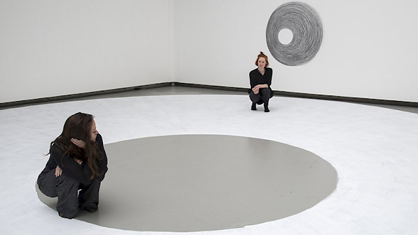 <p>Dora García, <em>Two Planets</em>, 2017. Performance and drawing © Dora García. Photo: Clémence Bellisson e Isabelle Arthuis</p>
